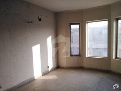 ایڈن ویلیو ہومز ایڈن لاہور میں 2 کمروں کا 5 مرلہ بالائی پورشن 43 لاکھ میں برائے فروخت۔