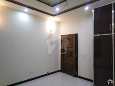 10 MARLA  BRAND NEW UPPER PORTION IS AVAILABLE FOR RENT IN ARCHITECT