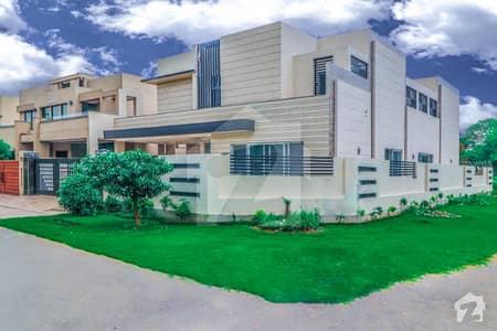 اسٹیٹ لائف فیز 1 - بلاک ڈی اسٹیٹ لائف ہاؤسنگ فیز 1 اسٹیٹ لائف ہاؤسنگ سوسائٹی لاہور میں 5 کمروں کا 1 کنال مکان 3.85 کروڑ میں برائے فروخت۔