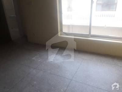 ایف ۔ 10/2 ایف ۔ 10 اسلام آباد میں 5 کمروں کا 1.35 کنال مکان 1.8 لاکھ میں کرایہ پر دستیاب ہے۔