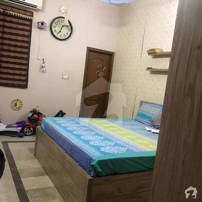 عزیز آباد گلبرگ ٹاؤن کراچی میں 2 کمروں کا 5 مرلہ زیریں پورشن 75 لاکھ میں برائے فروخت۔
