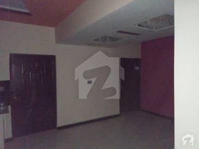عزیز آباد گلبرگ ٹاؤن کراچی میں 2 کمروں کا 5 مرلہ بالائی پورشن 78 لاکھ میں برائے فروخت۔