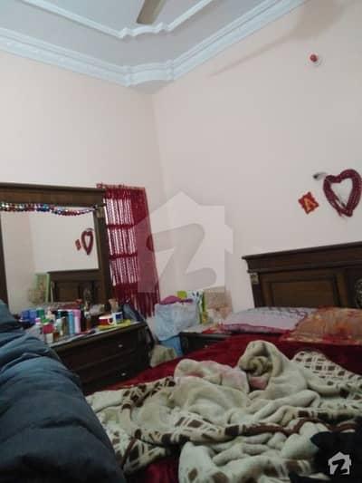 بھٹائی کالونی کورنگی کراچی میں 4 کمروں کا 4 مرلہ مکان 1.1 کروڑ میں برائے فروخت۔