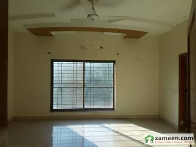 Duel Purpose Option 30 Marla Stunning Upper Portion With Separate Gate In Dha Lahore