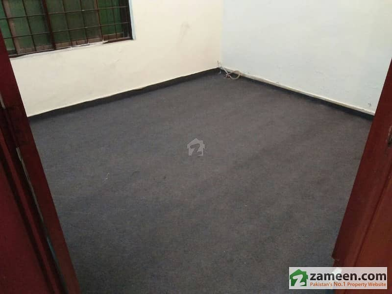 8 Marla Outclass Apartment At 2nd Floor For Rent In Phase 3