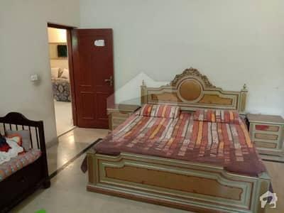 سعید کالونی فیصل آباد میں 3 کمروں کا 12 مرلہ مکان 1.6 کروڑ میں برائے فروخت۔
