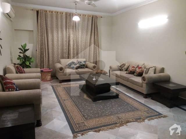 ایف ۔ 11/4 ایف ۔ 11 اسلام آباد میں 6 کمروں کا 1 کنال مکان 7.5 کروڑ میں برائے فروخت۔