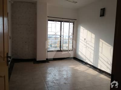 Full Independent Flat Is Available For Rent