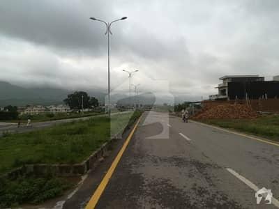 ڈی ۔ 12 اسلام آباد میں 3 کمروں کا 1.2 کنال بالائی پورشن 1 لاکھ میں کرایہ پر دستیاب ہے۔