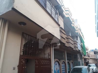 بہارہ کھوہ اسلام آباد میں 4 کمروں کا 2 مرلہ مکان 42 لاکھ میں برائے فروخت۔