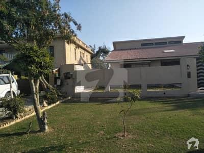 نیوی ہاؤسنگ سکیم زمزمہ زمزمہ کراچی میں 7 کمروں کا 1.6 کنال مکان 55 کروڑ میں برائے فروخت۔