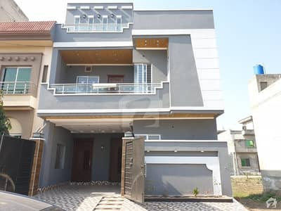 5 Marla Brand New House Ultra Modern Very Hot Location Solid Construction