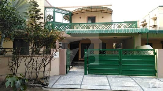 24 Marla Old House For Sale In Eden Canal Villas Lahore