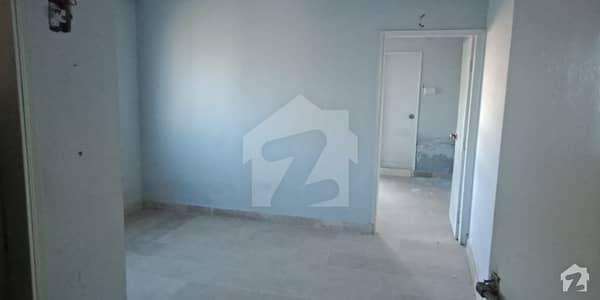 گلستانِ سجاد حیدر آباد میں 1 کمرے کا 2 مرلہ فلیٹ 14 لاکھ میں برائے فروخت۔