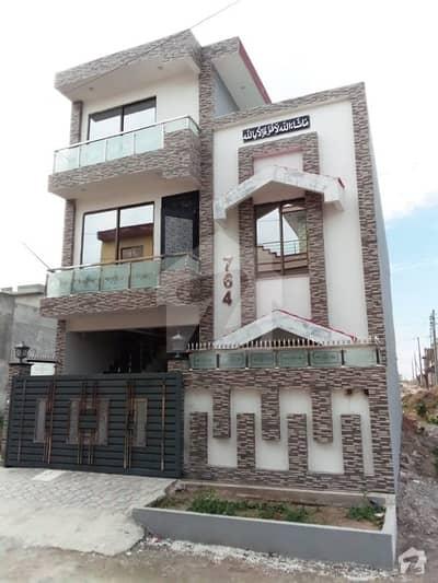 آئی ۔ 14/4 آئی ۔ 14 اسلام آباد میں 4 کمروں کا 11 مرلہ مکان 1.8 کروڑ میں برائے فروخت۔