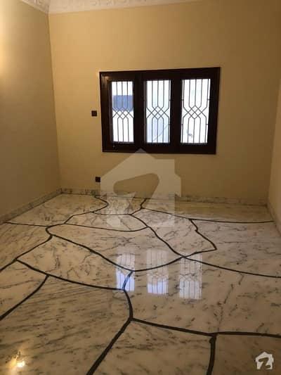 باتھ آئی لینڈ کراچی میں 7 کمروں کا 1.2 کنال مکان 4.25 لاکھ میں کرایہ پر دستیاب ہے۔