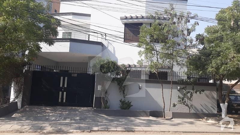 ڈی ایچ اے فیز 2 ڈی ایچ اے کراچی میں 4 کمروں کا 8 مرلہ مکان 1.25 لاکھ میں کرایہ پر دستیاب ہے۔