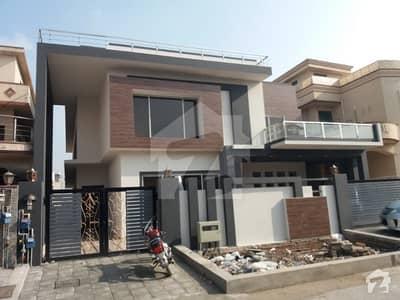 ای ۔ 11/3 ای ۔ 11 اسلام آباد میں 6 کمروں کا 1 کنال مکان 9 کروڑ میں برائے فروخت۔