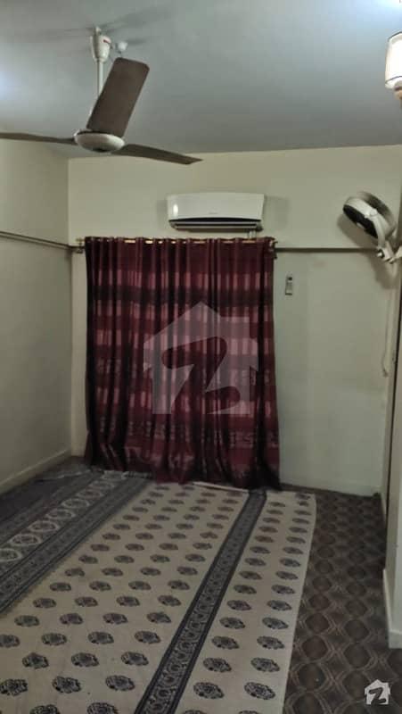 اندہ موڑ روڈ کراچی میں 6 کمروں کا 4 مرلہ فلیٹ 75 لاکھ میں برائے فروخت۔