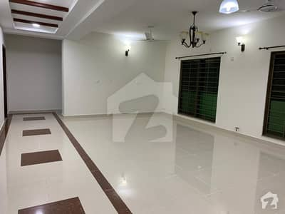 Luxury 10 Marla Brand New 3 Beds Apartments For Rent In Askari 11 Sector B Lahore