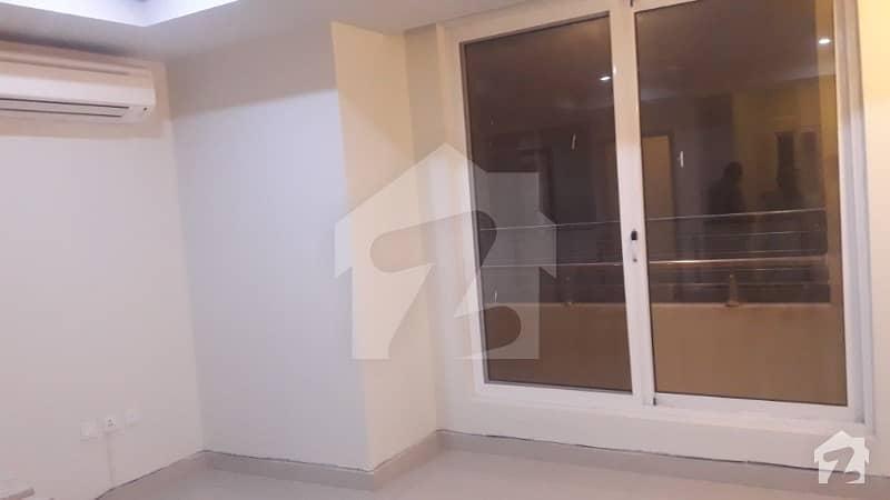 ایف ۔ 11 اسلام آباد میں 3 کمروں کا 8 مرلہ فلیٹ 75 ہزار میں کرایہ پر دستیاب ہے۔