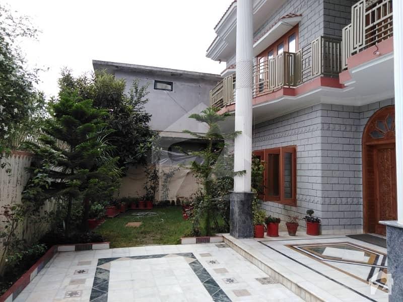 جھانگی قاضیاں ایبٹ آباد میں 7 کمروں کا 1.73 کنال مکان 3.25 کروڑ میں برائے فروخت۔