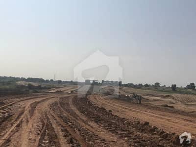بلیو ورلڈ سٹی چکری روڈ راولپنڈی میں 5 مرلہ کمرشل پلاٹ 60 لاکھ میں برائے فروخت۔