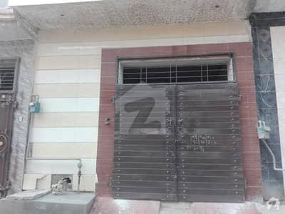 نروالہ روڈ فیصل آباد میں 2 کمروں کا 3 مرلہ مکان 44 لاکھ میں برائے فروخت۔