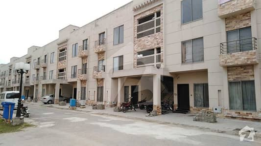 آئکن ویلی فیز 1 رائیونڈ روڈ لاہور میں 3 کمروں کا 7 مرلہ فلیٹ 67 لاکھ میں برائے فروخت۔