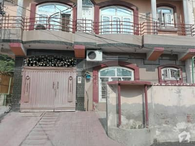 نروالہ روڈ فیصل آباد میں 5 مرلہ مکان 1.65 کروڑ میں برائے فروخت۔