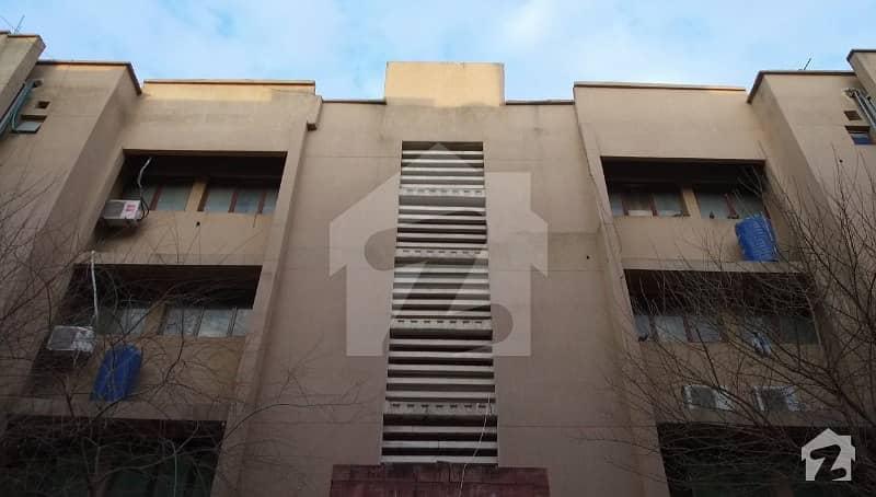 جی ۔ 11/4 جی ۔ 11 اسلام آباد میں 2 کمروں کا 4 مرلہ فلیٹ 1 کروڑ میں برائے فروخت۔