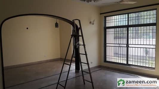 4 Rooms Ideal Apartment Available For Rent In DHA Lahore