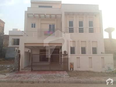 عمر ایونیو بحریہ ٹاؤن فیز 8 بحریہ ٹاؤن راولپنڈی راولپنڈی میں 5 کمروں کا 7 مرلہ مکان 1.4 کروڑ میں برائے فروخت۔