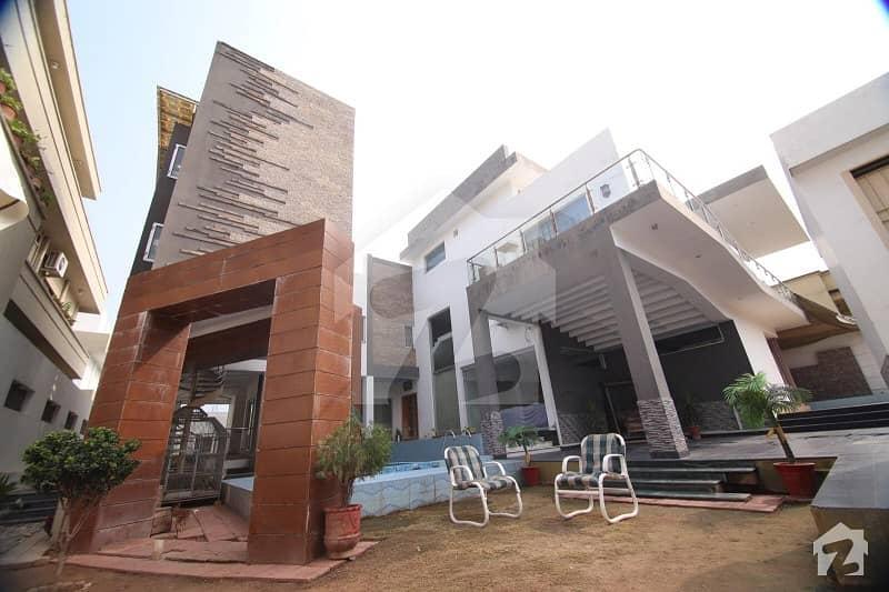 ای ۔ 11/2 ای ۔ 11 اسلام آباد میں 7 کمروں کا 2 کنال فارم ہاؤس 13.9 کروڑ میں برائے فروخت۔