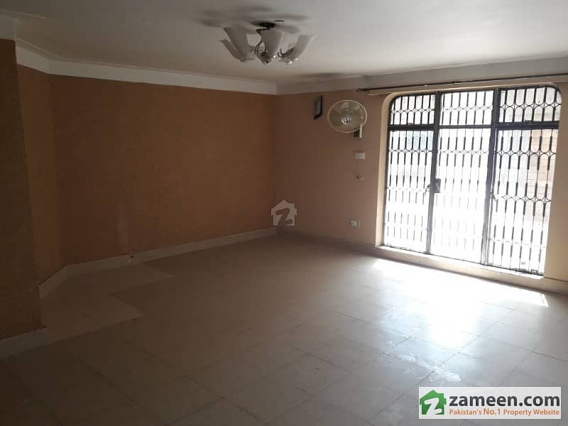 Separate Gate Modern Upper Portion Available For Rent In Dha Lahore With 2 Cars Parking Space