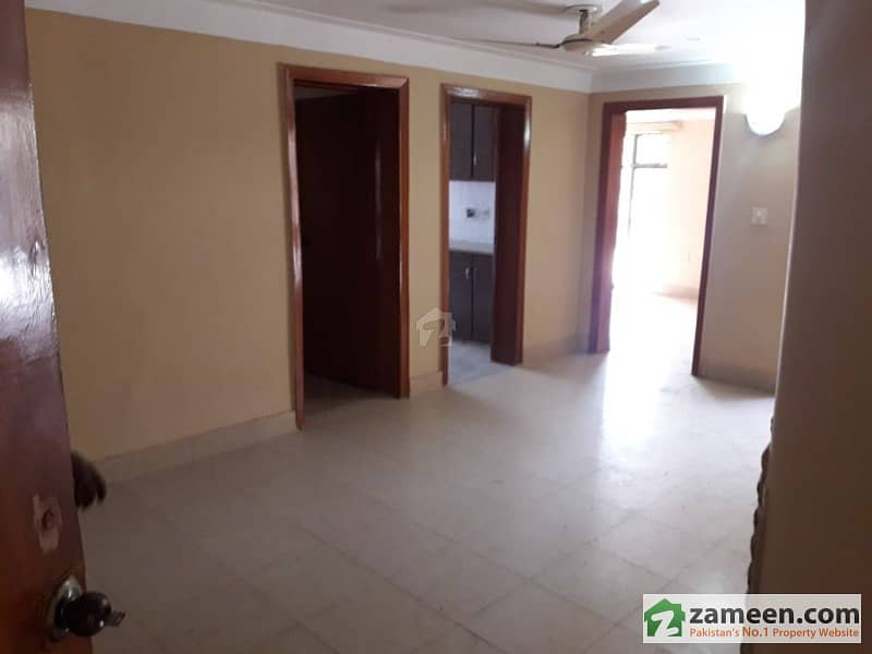 Duel Purpose Property 30 Marla Upper Portion With Separate Gate Located In Dha Lahore