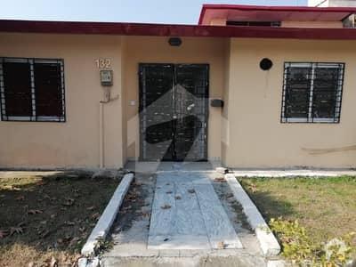 بحریہ ٹاؤن فیز 8 ۔ عوامی ولاز 1 بحریہ ٹاؤن فیز 8 بحریہ ٹاؤن راولپنڈی راولپنڈی میں 2 کمروں کا 56.25 کنال مکان 46 ہزار میں برائے فروخت۔