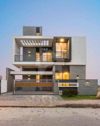 بحریہ ٹاؤن فیز 8 ۔ بلاک ای بحریہ ٹاؤن فیز 8 بحریہ ٹاؤن راولپنڈی راولپنڈی میں 4 کمروں کا 10 مرلہ مکان 2.3 کروڑ میں برائے فروخت۔