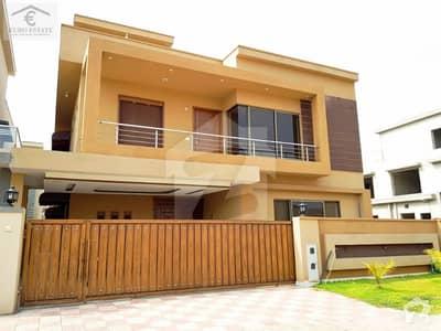 بحریہ گرینز۔ اوورسیز انکلیو بحریہ ٹاؤن فیز 8 بحریہ ٹاؤن راولپنڈی راولپنڈی میں 5 کمروں کا 12 مرلہ مکان 2.4 کروڑ میں برائے فروخت۔