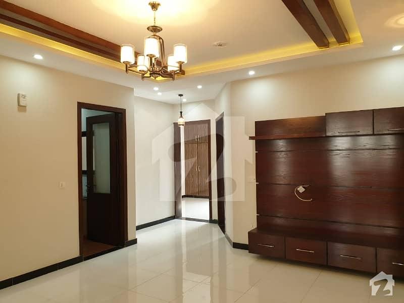 لیک سٹی - سیکٹر M7 - بلاک اے لیک سٹی ۔ سیکٹرایم ۔ 7 لیک سٹی رائیونڈ روڈ لاہور میں 4 کمروں کا 7 مرلہ مکان 1.7 کروڑ میں برائے فروخت۔