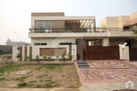 اسٹیٹ لائف ہاؤسنگ فیز 1 اسٹیٹ لائف ہاؤسنگ سوسائٹی لاہور میں 4 کمروں کا 10 مرلہ مکان 1.7 کروڑ میں برائے فروخت۔