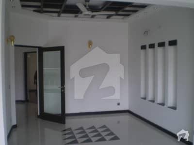 بحریہ ٹاؤن فیز 8 ۔ بلاک سی بحریہ ٹاؤن فیز 8 بحریہ ٹاؤن راولپنڈی راولپنڈی میں 5 کمروں کا 10 مرلہ مکان 2.1 کروڑ میں برائے فروخت۔