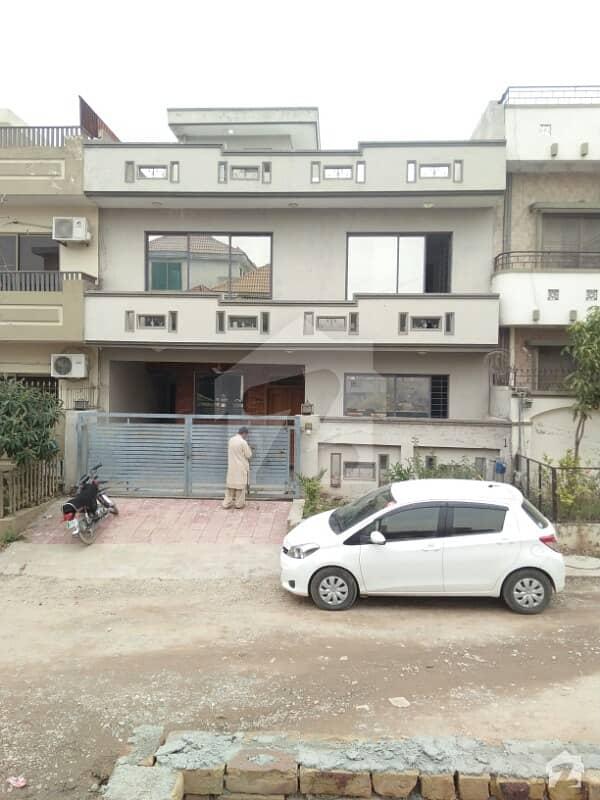 جی ۔ 14/4 جی ۔ 14 اسلام آباد میں 5 کمروں کا 9 مرلہ مکان 80 ہزار میں کرایہ پر دستیاب ہے۔