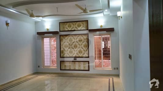 10 Marla 3 Beds upper portion House for rent in Sahiwal
