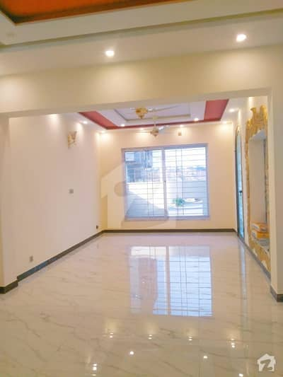 Brand New 10 Marla House For Urgent Sale
