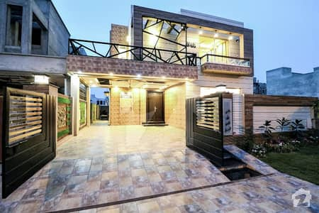 Near Ring Road 10 Marla Hot Location House For Sale At Reasonable Price