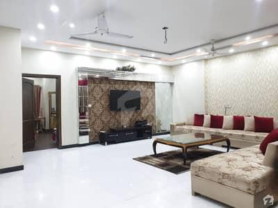 جوہر ٹاؤن فیز 1 جوہر ٹاؤن لاہور میں 7 کمروں کا 1 کنال مکان 4.5 کروڑ میں برائے فروخت۔