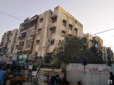 گلستانِِ جوہر ۔ بلاک 17 گلستانِ جوہر کراچی میں 3 کمروں کا 7 مرلہ فلیٹ 85 لاکھ میں برائے فروخت۔