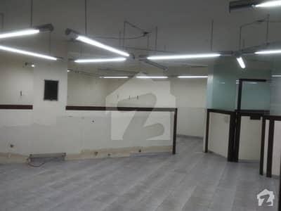 کلفٹن ۔ بلاک 5 کلفٹن کراچی میں 11 کمروں کا 4 کنال مکان 22 لاکھ میں کرایہ پر دستیاب ہے۔