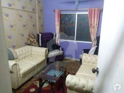 3 Bed DD 1250 Sq Feet Flat For Sale In Block 8